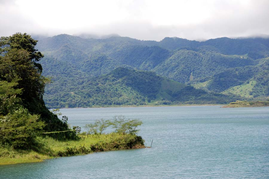 arenalsee-costa-rica_01